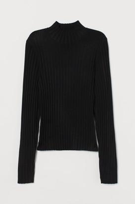 H&M Ribbed Turtleneck Sweater - Black