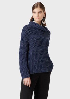 Giorgio Armani Loose-Fit, Ribbed Cashmere Sweater