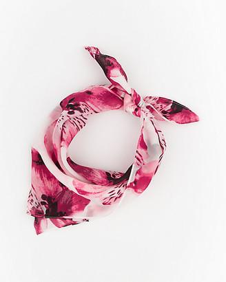 Le Château Floral Print Woven Lightweight Scarf
