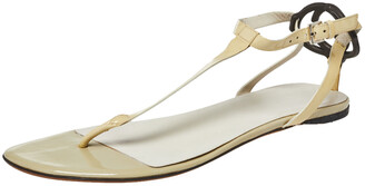 Gucci Cream Patent Leather T Strap Flat Thong Sandals Size 40