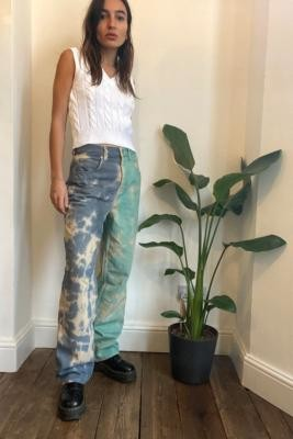 BDG Tie-Dye High-Waisted Baggy Boyfriend Jeans - Blue 24 at Urban Outfitters