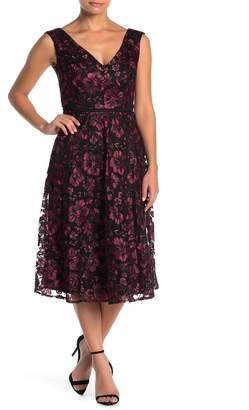 Taylor Embroidered Lace Sleeveless Dress (Regular & Plus Size)