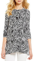 Westbound Scoop Neck 3/4 Sleeve Seamed Tunic Top