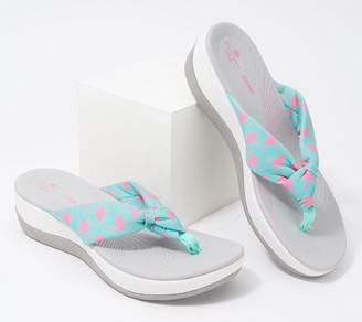 Clarks CLOUDSTEPPERS By Printed Thong Sandals - Arla Glison