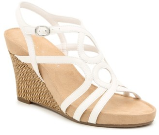 Kelly & Katie Plushin Wedge Sandal