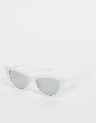 A. J. Morgan AJ Morgan cat eye sunglasses in white