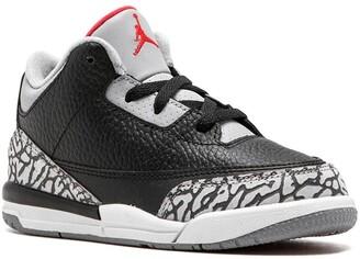 Jordan 3 Retro low-top sneakers