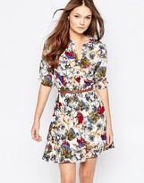 Yumi Belted Dress With 3/4 Sleeves In Thistle Print