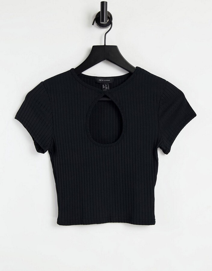 Thumbnail for your product : New Look cutout keyhole crop tee in black