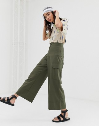 Monki wide leg cargo pants with pockets in khaki-Green
