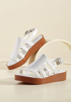 Flatform an Opinion Sandal in 5