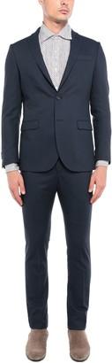 MHI 1970 Suits