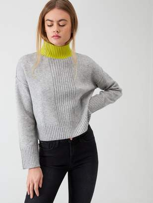 River Island High Neck Cropped Knitted Jumper- Grey Print