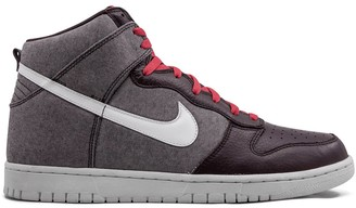Nike Dunk high-top sneakers