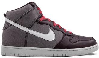 Nike Dunk high-top sneakers