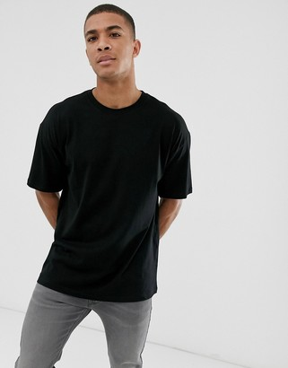 New Look oversized t-shirt in black