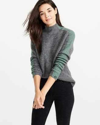 Abercrombie & Fitch A&F Women's Side-Stripe Turtleneck Sweater in Grey - Size M