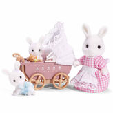International Playthings Calico Critters Connor & Kerri's Carriage Ride