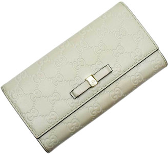 Gucci Ivory Microguccissima Leather Bow Continental Wallet