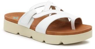 Bare Traps Harison Platform Sandal