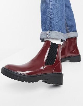 Raid Palma flat chelsea boots in burgundy