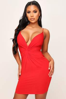 I SAW IT FIRST Red Twist Front Plunge Bodycon Dress