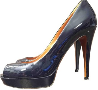 Gucci Navy Patent leather Heels