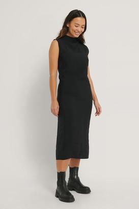 NA-KD Sleeveless Flowy Midi Dress