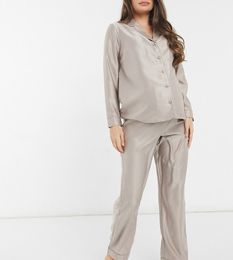 New Look Maternity button up pyjama set in mink