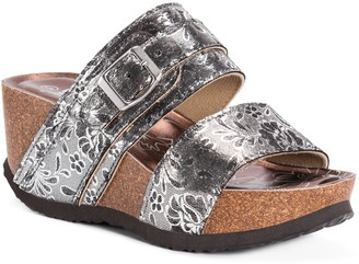 Muk Luks Women's Emery Wedge Sandals