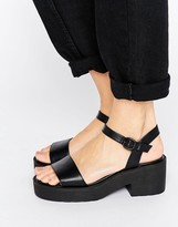 London Rebel Chunky Low Sandal