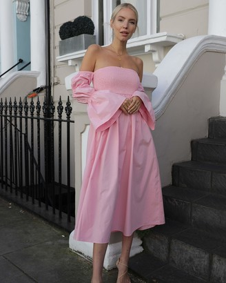 The Drop Women's Candy Pink Off Shoulder Tiered Puff Sleeve Midi Dress by @leoniehanne XS