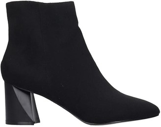 KENDALL + KYLIE Zoe High Heels Ankle Boots In Black Suede