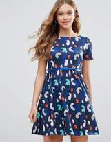 Yumi Belted Skater Dress In Brush Stroke Print