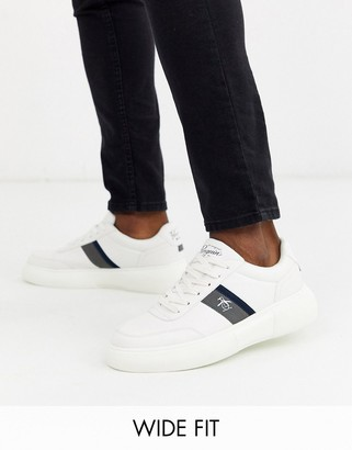 Original Penguin wide fit chunky trainer in white