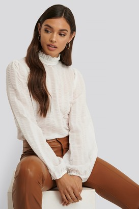 NA-KD Frill Neck Structured Blouse