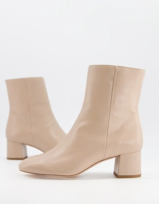 And other stories & leather round toe heeled boots in beige