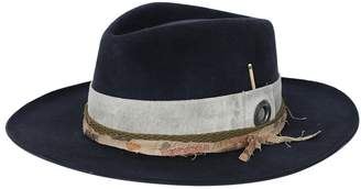 Nick Fouquet esalen felt hat