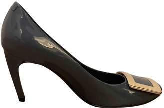 Roger Vivier Trompette Grey Patent leather Heels