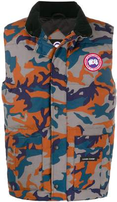 Canada Goose logo camouflage gilet