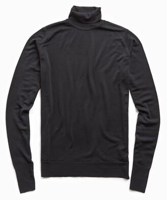 John Smedley Sweaters Easy Fit Turtleneck in Black