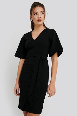 NA-KD Front Slit Belted Dress