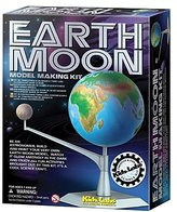 Toysmith 4M Earth and Moon Kit #3436