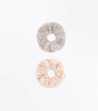 New Look 2 Pack and Faux Fur Scrunchies