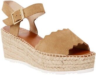 Andre Assous Cacia Platform Wedge Sandal