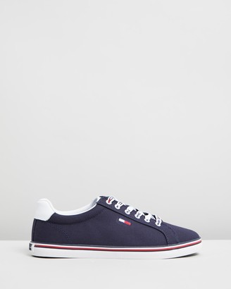 Tommy Hilfiger Essential Lace-Up Sneakers