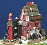 The Abandoned Gas Pump - Department 56 (Reti)