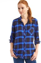 Gap Soft plaid boyfriend shirt