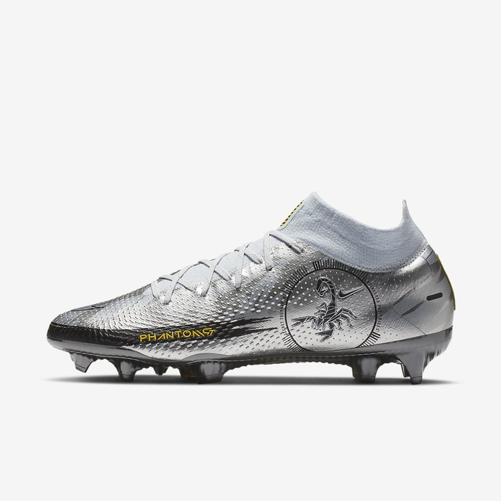 design your own soccer boots