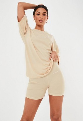 Missguided Petite Sand Graphic T Shirt And Biker Shorts Co Ord Set